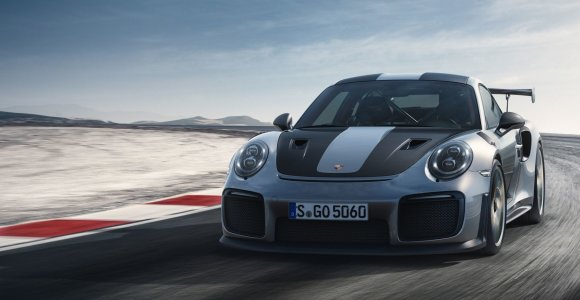 """""""Porsche 911 GT2 RS MR"""" tapo greičiausiu legendiniame Niurburgringe"""
