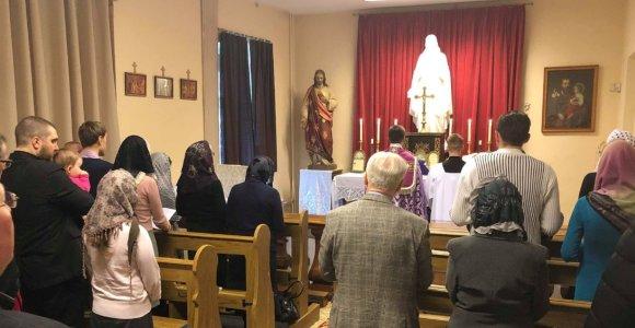 """Konservatyvi krikščionių brolija meldžiasi """"bute"""", bet ieško platesnių politinių horizontų"""