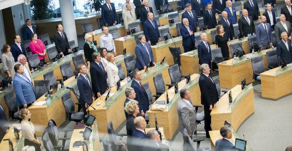 Opozicija boikotavo iniciatyvą kartelę į Seimą leisti žemyn: nepritaria ir keli valdantieji