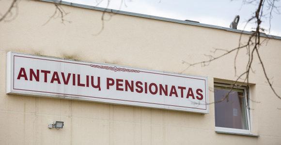 NVSC: nuo koronaviruso mirė Antavilių pensionato globotinis ir Santaros klinikų pacientas