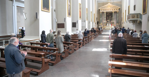 Atnaujintos rekomendacijos maldos namams, meno kolektyvams, apgyvendinimo ir maitinimo įstaigoms