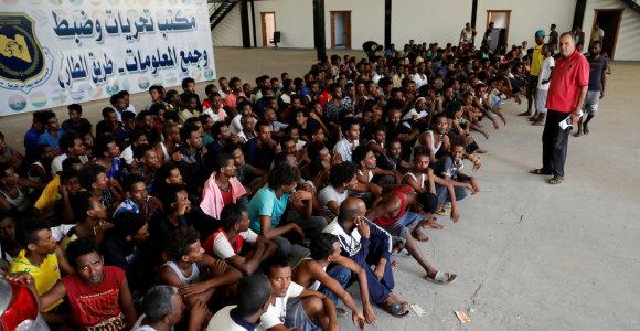 ES rado dar vieną tolimą šalį, už pinigus priimsiančią prieglobsčio prašytojus: bet kas iš to?