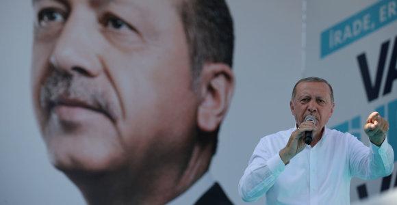 Rinkimai Turkijoje: opozicijai atsirado šansų įveikti R.T.Erdoganą?