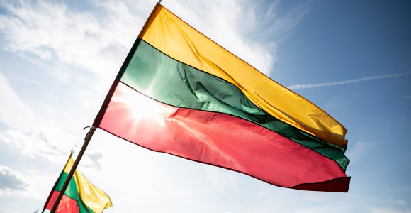 Pernai Lietuvos pilietybę įgijo beveik 3 tūkst. žmonių, neteko – per 1 tūkst.