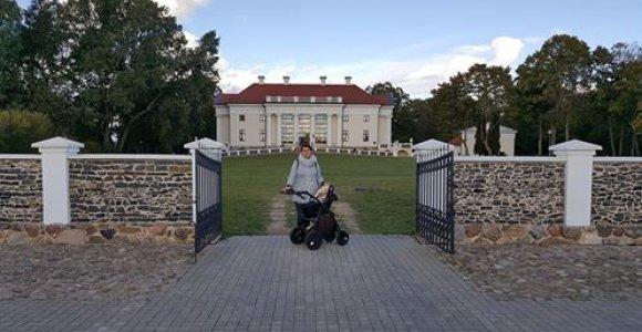 Visą Lietuvą apkeliavusi kelmiškių šeima: didelių dalykų atradome mažuose miesteliuose
