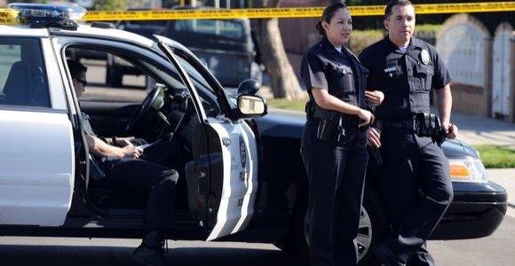 Kalifornijoje areštuoti 6 asmenys, siejami su keturių žmonių nužudymu per vakarėlį