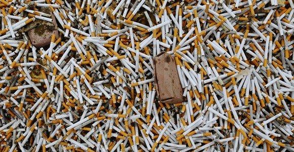 Vyriausybė aptarė siūlymą drausti parduotuvėse eksponuoti tabako gaminius