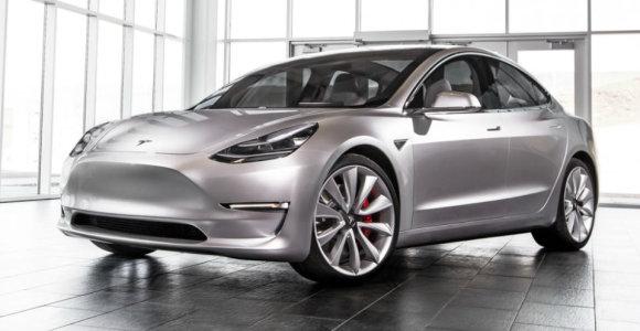 """Elonas Muskas žada ištaisyti """"Tesla Model 3"""" stabdymo klaidą: ar jis galės konkuruoti su BMW M3?"""