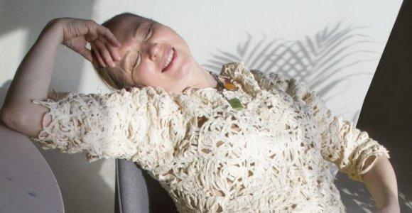 Aktorė Eglė Mikulionytė tapo drabužių modeliu