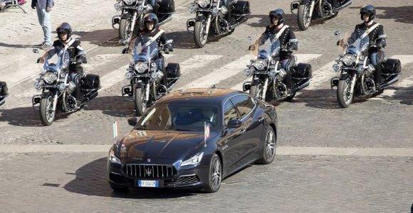 """Italijos prezidentų automobiliai: renkasi """"Maserati Quattroporte"""", bet turi specialių pageidavimų"""