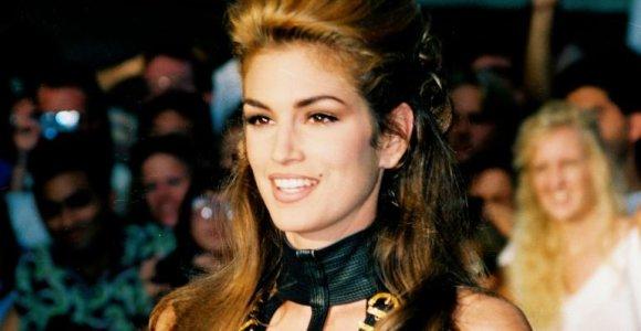 Cindy Crawford 1992-ųjų MTV muzikos vaizdo klipų apdovanojimuose