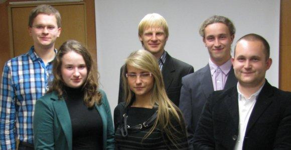 Geriausias verslo idėjas sugalvoję studentai žinias gilins Suomijos Aalto universitete