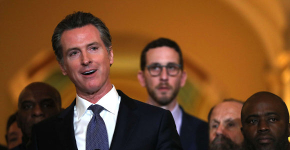 Kalifornijos gubernatorius laikinai sustabdė mirties bausmes
