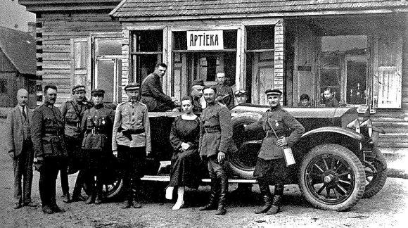 """Nuotr. iš knygos """"Lietuvos policijai 80 metų""""/Automobilis """"Benz 25-55"""", 1922 metai"""