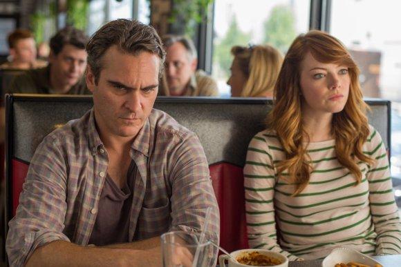 """""""ACME Film"""" nuotr./Joaquinas Phoenixas ir Emma Stone filme """"Neracionalus žmogus"""""""