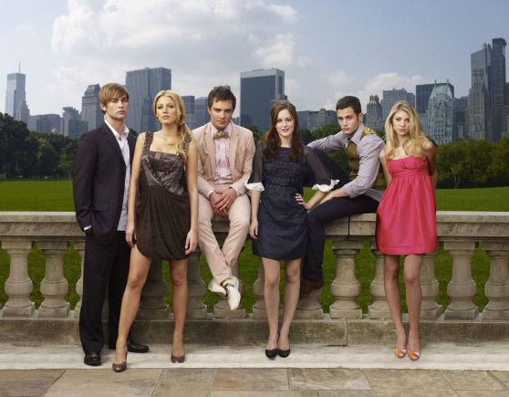 """Vida Press nuotr./""""Gossip Girl"""" aktoriai Chace'as Crawfordas, Blake Lively, Edas Westwickas, Leighton Meester, Pennas Badgley ir Taylor Momsen (2007 m.)"""