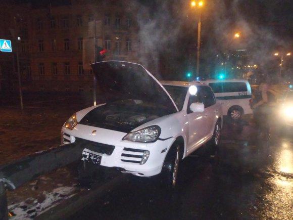 "Vilniaus policijos nuotr./""Porsche Cayenne"" avarija"