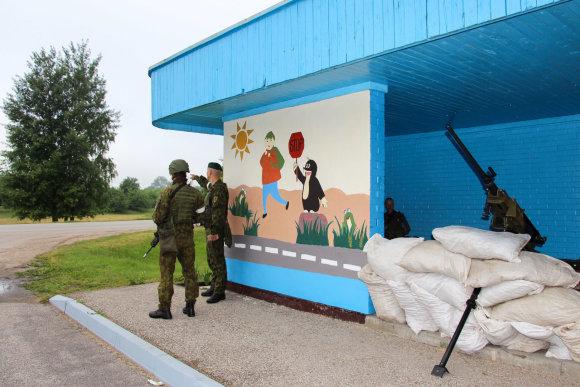 Sauliaus Jakučionio nuotr./NATO kariai trenijuojasi ginti Suvalkų koridorių