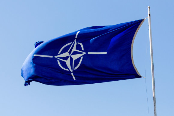 Luko Balandžio / 15min nuotr./NATO vėliava