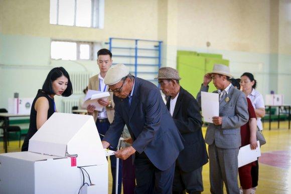 """AFP/""""Scanpix"""" nuotr./Rinkimai Mongolijoje"""