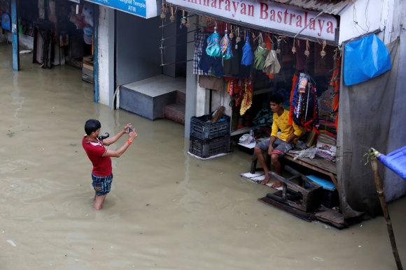 """""""Reuters""""/""""Scanpix"""" nuotr./Potvynis Indijoje"""