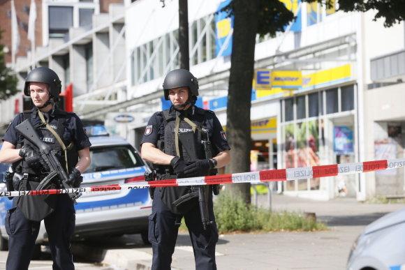 """""""Scanpix""""/AP nuotr./Hamburgo prekybos centre nudurtas žmogus, dar keli – sužeisti"""