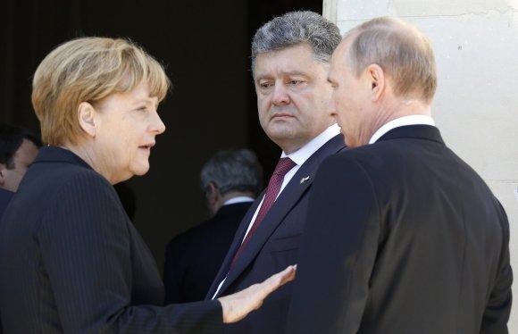 """Reuters""/""Scanpix"" nuotr./Angela Merkel, Petro Porošenko ir Vladimiras Putinas"