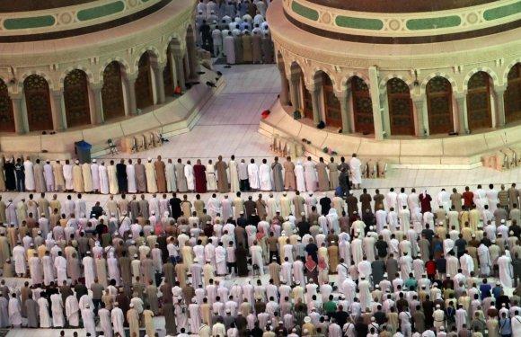 """AFP/""""Scanpix"""" nuotr./Į hadžą Saudo Arabijoje susirinko daugiau kaip 2 mln. musulmonų"""