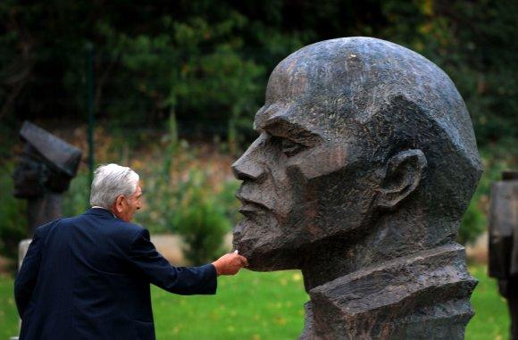 "AFP/""Scanpix"" nuotr./Lenino statula"