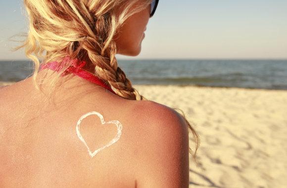 Fotolia nuotr./Moteris paplūdimyje