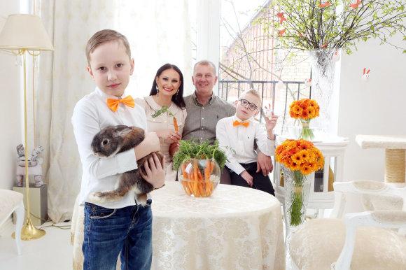 Teodoro Biliūno/15min.lt nuotr./Inga Budrienė su šeima