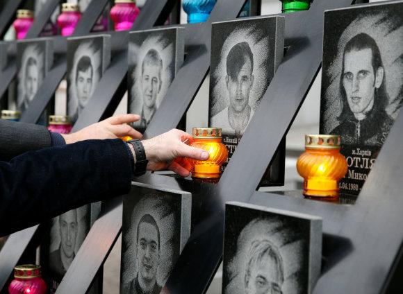 """""""Reuters""""/""""Scanpix"""" nuotr./Ukrainoje minimos trečiosios Maidano metinės"""