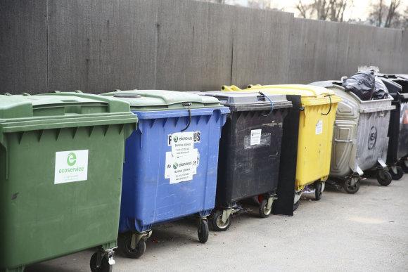 Luko Balandžio/Žmonės.lt nuotr./Įprasti atliekų konteineriai