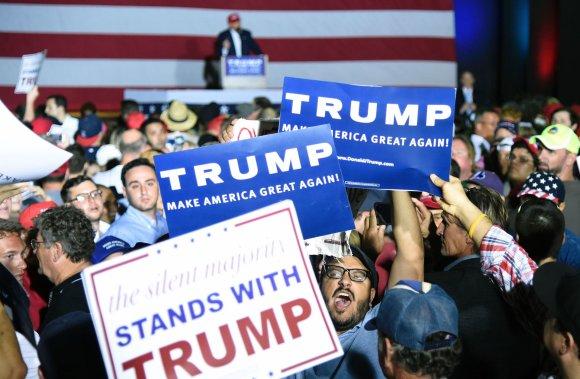 """AFP/""""Scanpix"""" nuotr./Donaldo Trumpo rinkėjai"""
