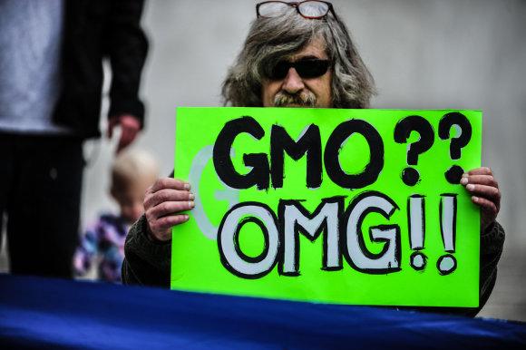 """""""Scanpix""""/""""Sipa USA"""" nuotr./GMO priešininkas proteste prie JAV vyriausybės"""