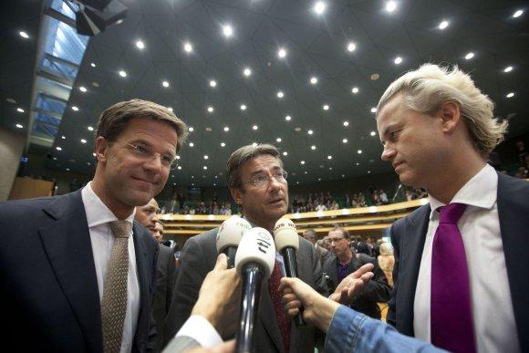 """AFP/""""Scanpix"""" nuotr./Markas Rutte (kairėje) ir Geertas Wildersas (dešinėje)"""