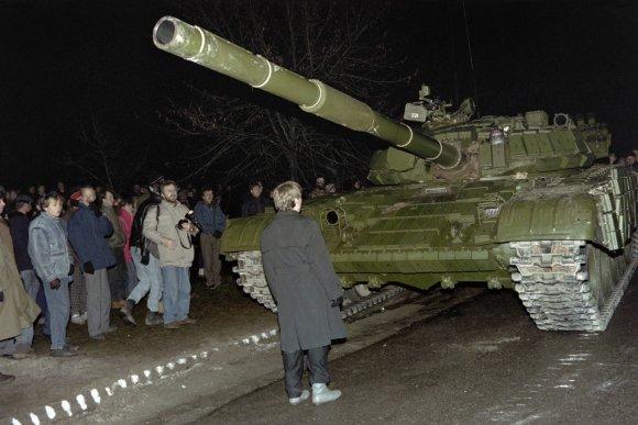 """AFP/""""Scanpix"""" nuotr./Sausio 13-osios įvykiai"""