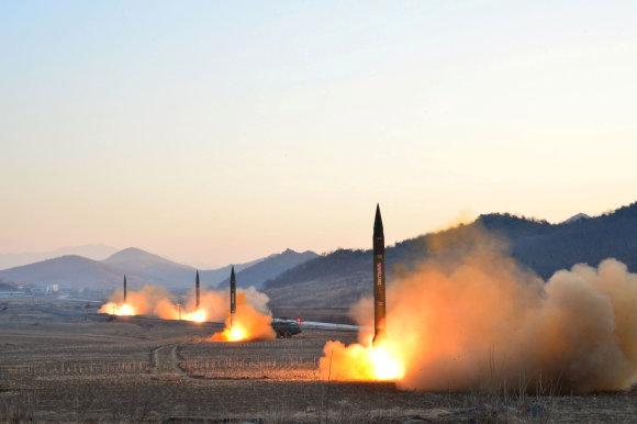 """""""Reuters""""/""""Scanpix"""" nuotr./Šiaurės Korėjos raketos"""