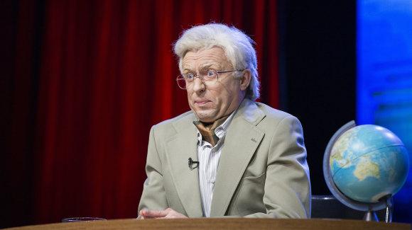 TV3 nuotr./Marius Jampolskis parodijuoja Algimantą Čekuolį