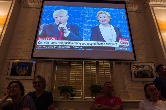 """AFP/""""Scanpix"""" nuotr./Donaldo Trumpo ir Hillary Clinton antrieji debatai"""