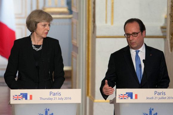 """Scanpix""/""Xinhua""/""Sipa USA"" nuotr./Theresa May ir Francois Hollande'as"