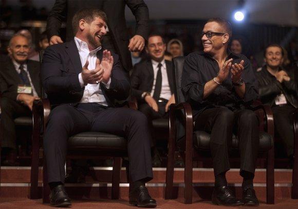 """""""Reuters""""/""""Scanpix"""" nuotr./Ramzanas Kadyrovas ir Jenas-Claude'as Van Damme'as"""