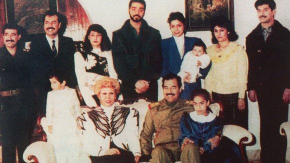 Wikipedia.org nuotr./Saddamo Husseino šeima (praėjusio amžiaus devintojo dešimtmečio vidurys)
