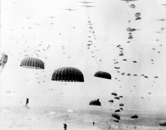 Wikipedia.org nuotr./Sąjungininkų oro desantas Olandijoje (1944 m. rugsėjis)