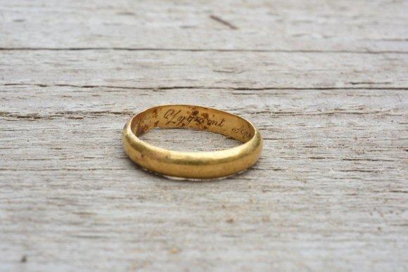 Kęstučio Stoškaus nuotr./Kapavietėje rastas žiedas