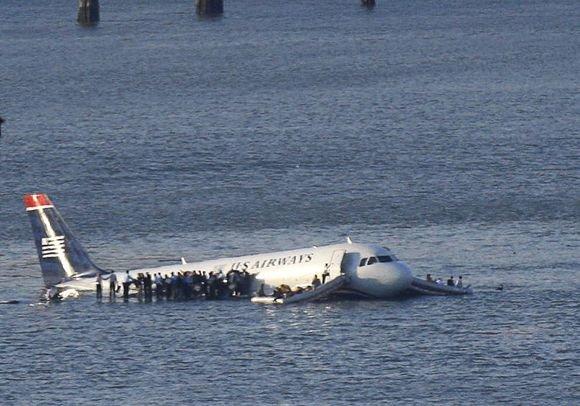 """""""Reuters""""/""""Scanpix"""" nuotr./Iš karto po nelaimės apie sužeidimus pranešama nebuvo."""