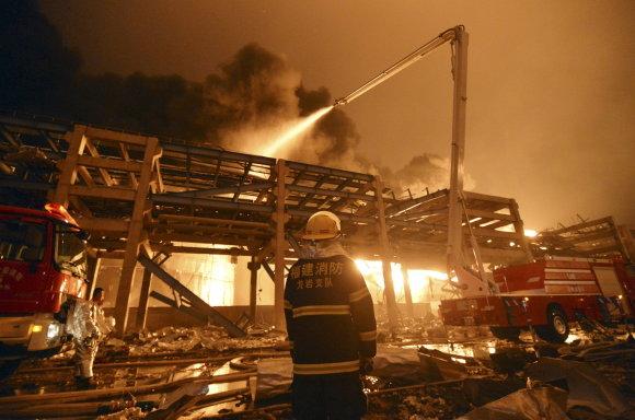 """""""Reuters""""/""""Scanpix"""" nuotr./Sprogimas Kinijos chemijos gamykloje"""