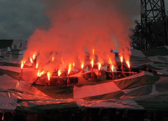 """Alfredo Pliadžio/pliadisfoto.lt nuotr./Vilniaus """"Žalgirio"""" fanai šventė 25-ąjį gimtadienį"""