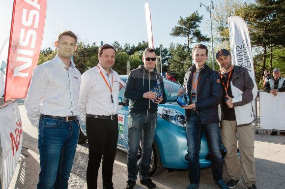 Ryčio PETRAUSKO nuotraukos /Elektromobilių lenktynių finišas