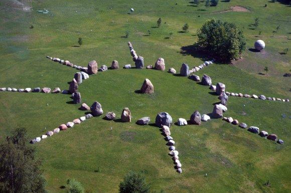 LEM nuotr./Neįprasti reiškiniai kalendoriniame LEM akmenų rate stebimi nuo pat šio objekto atidarymo lankytojams prieš keletą metų.